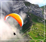 himachal tour packages paragliding
